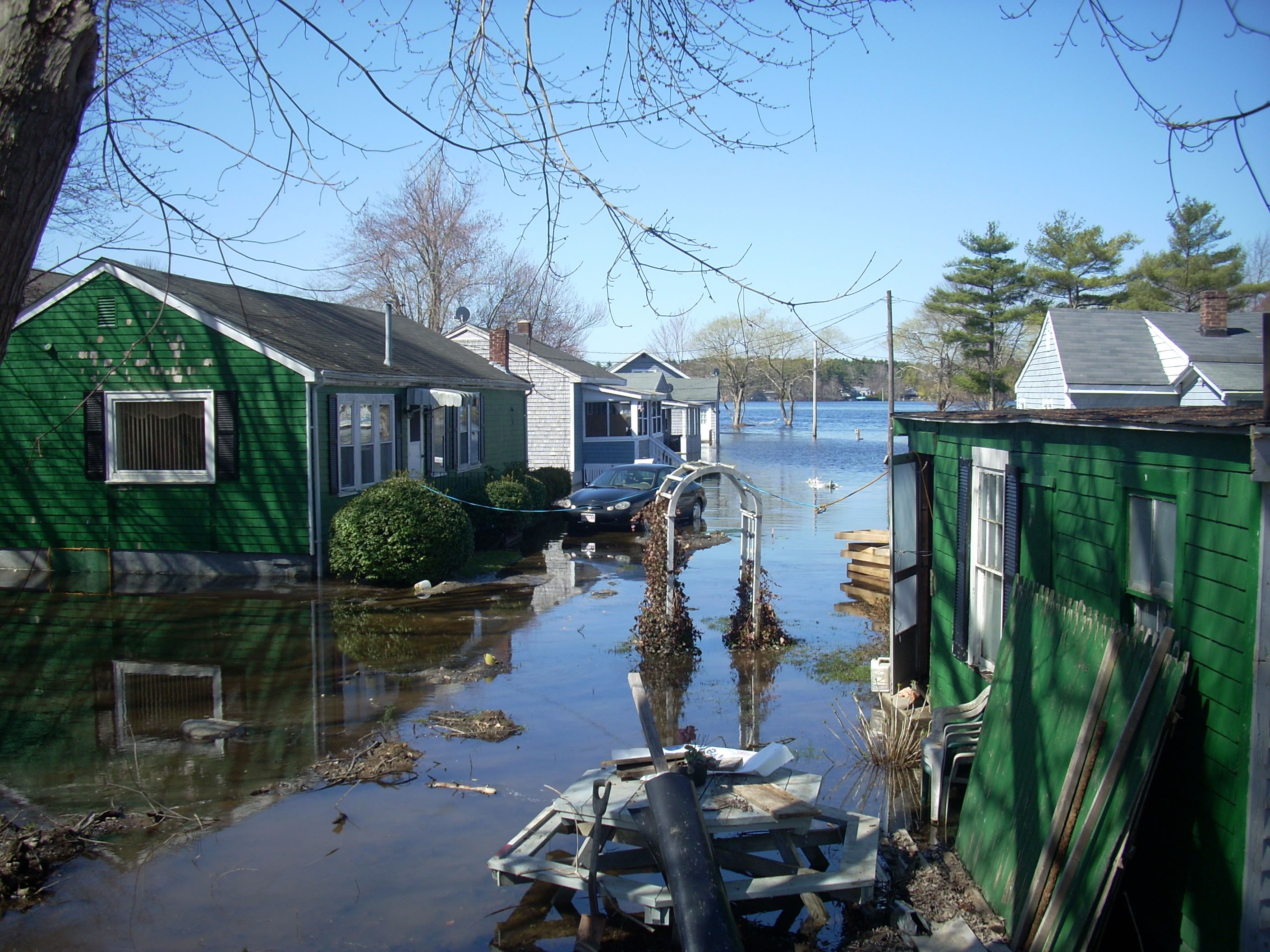 Another Lakeville Flood photo taken nearer the boat landing